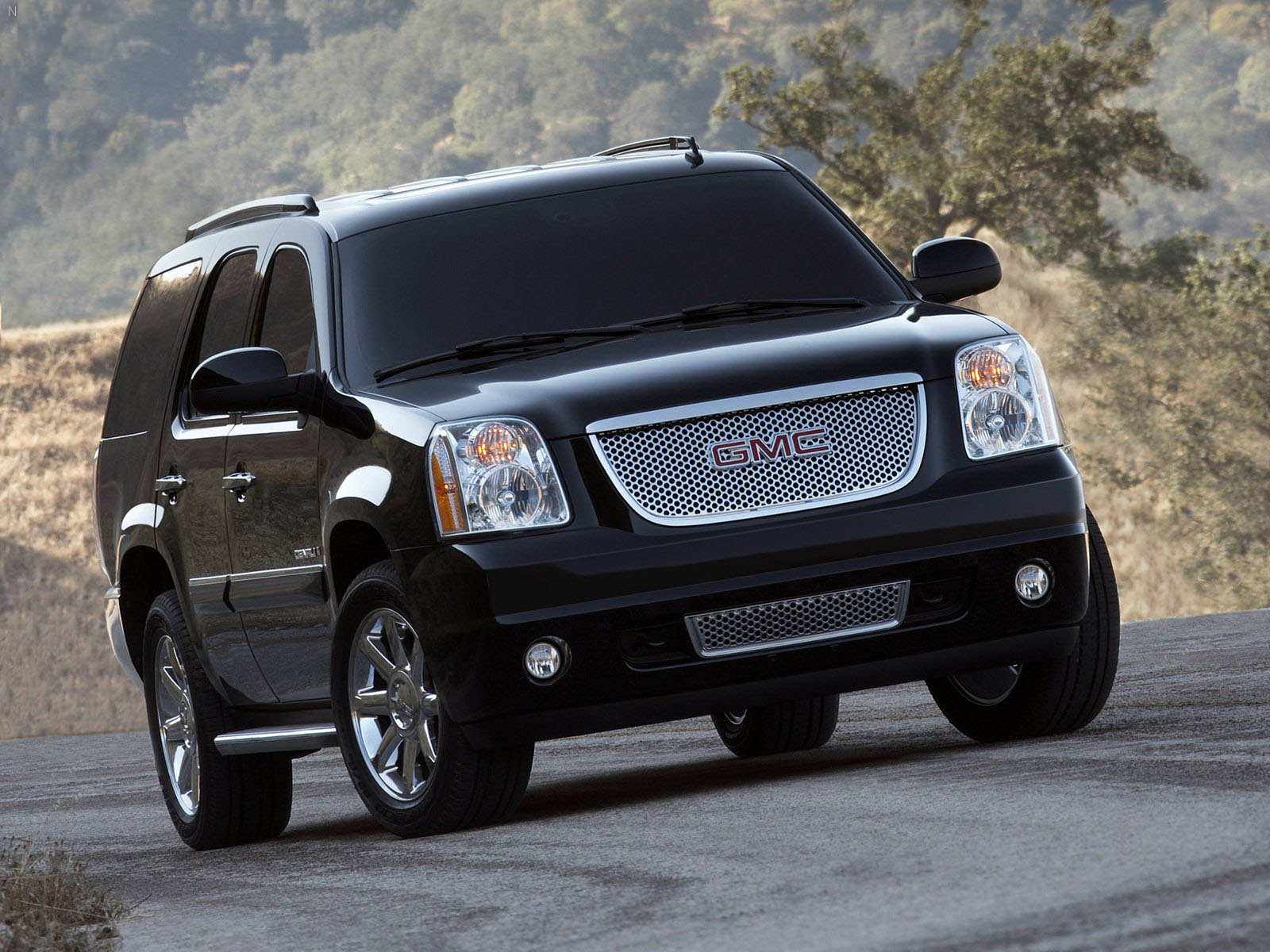 2014 Yukon Denali >> Why Should You Factor In The Use Of A GMC Car? - 8 Blogs